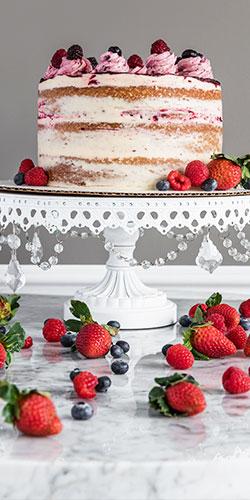half-image-home-strawberry-cake-02