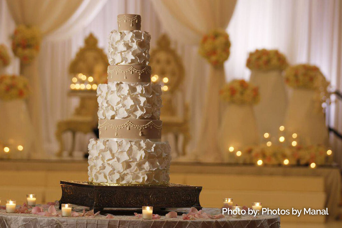 Half Image Wedding Cake Gold 01